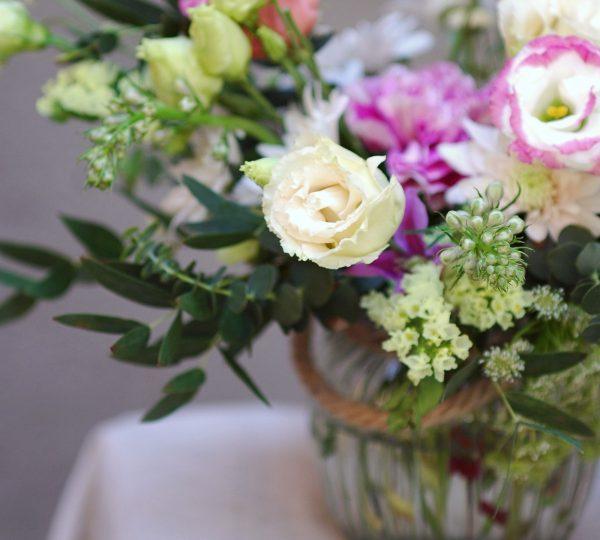 Pequeño centro de flores en cristal