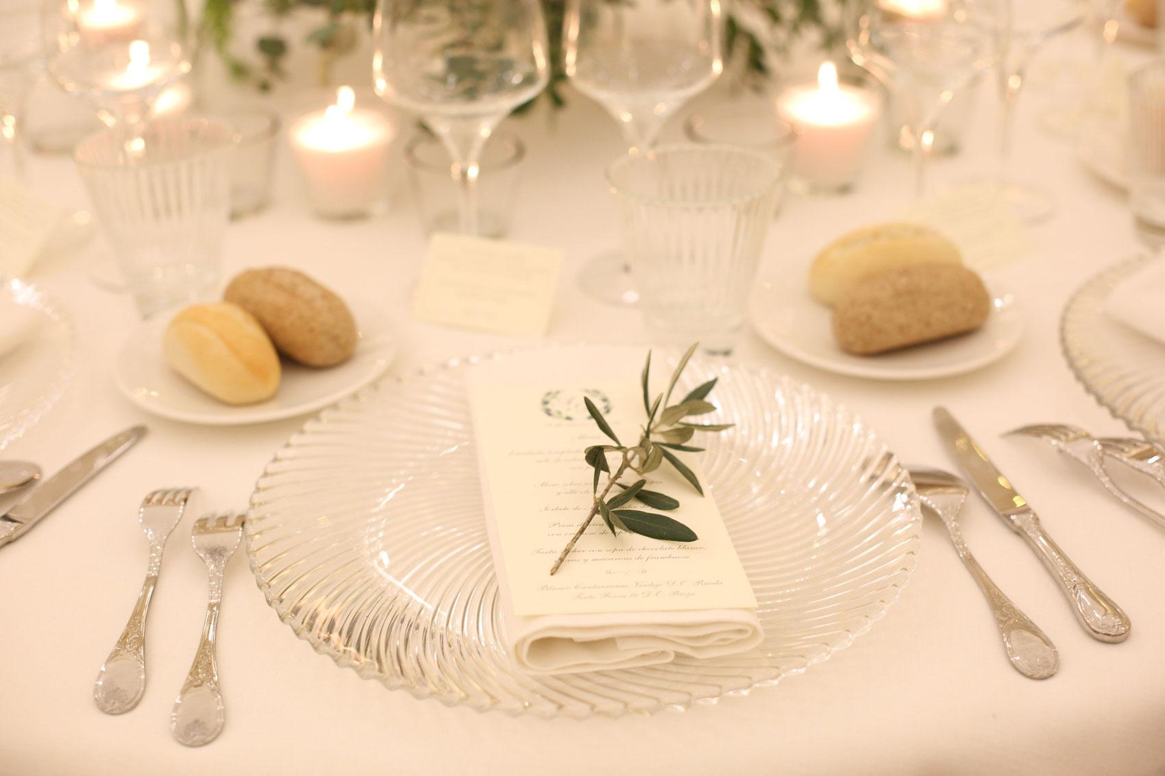 Ramitas de olivo decoración floral boda elegante Andalucía