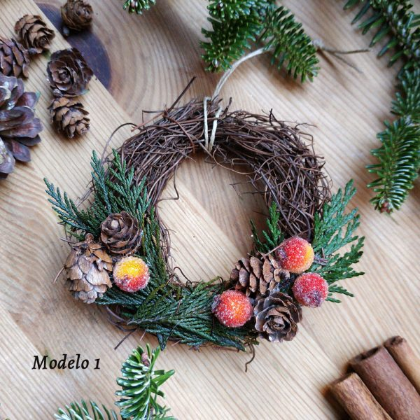Corona de Navidad de sarmiento pequeña.