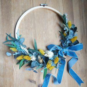 Corona bastidor de flores preservadas
