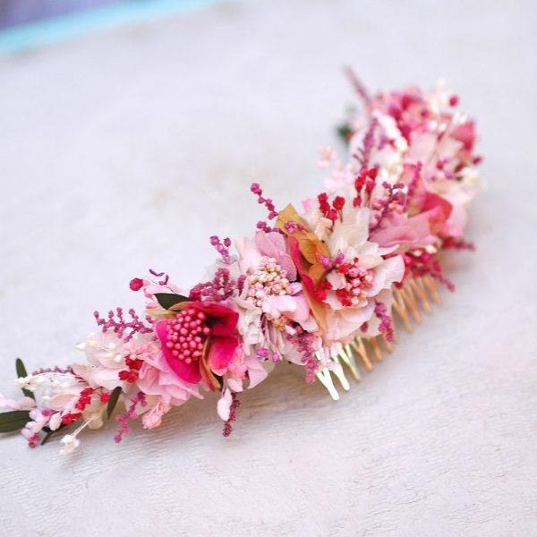 Tocado de flores preservadas